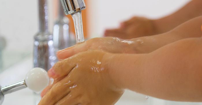 次亜塩素酸水で手洗いページ